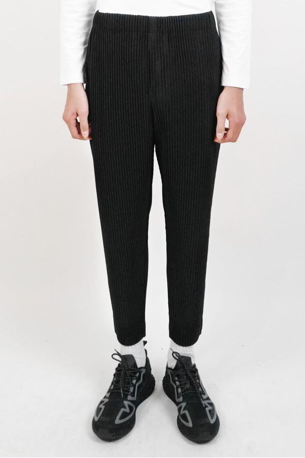 Pleated Black Pant